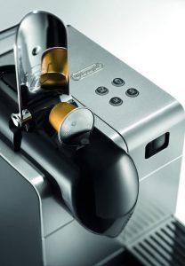 Nespresso by De'Longhi EN520SL Lattissima Plus
