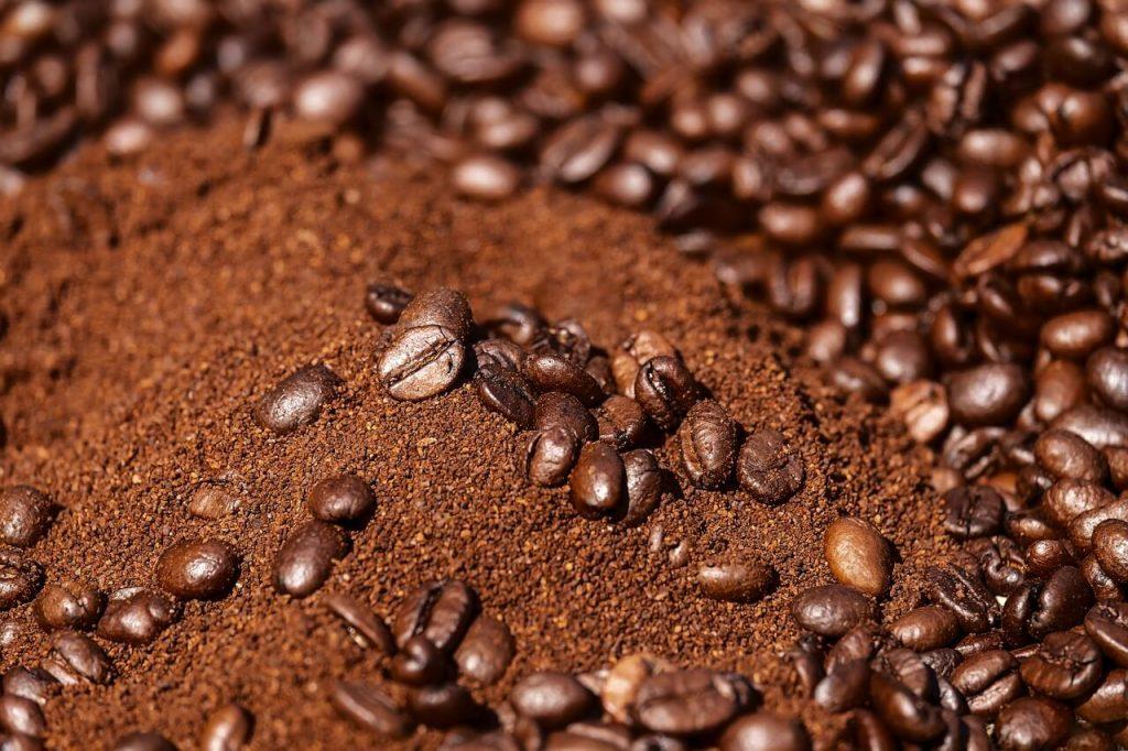 ground coffee beans
